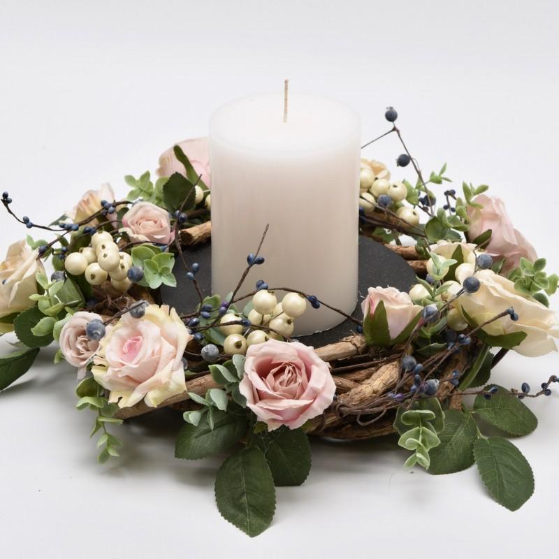 Μεταλλικό επιτραπέζιο κηροπήγιο στολισμένο με λουλούδια και ξύλο Φ40cm
