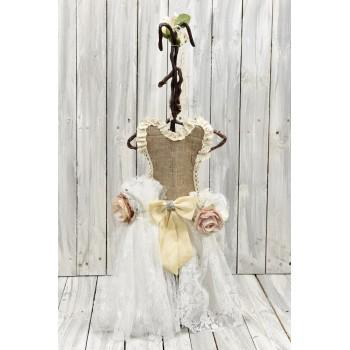 Vintage επιτραπέζιο φόρεμα για στολισμούς από λινάτσα, δαντέλα και λουλούδια 50cm