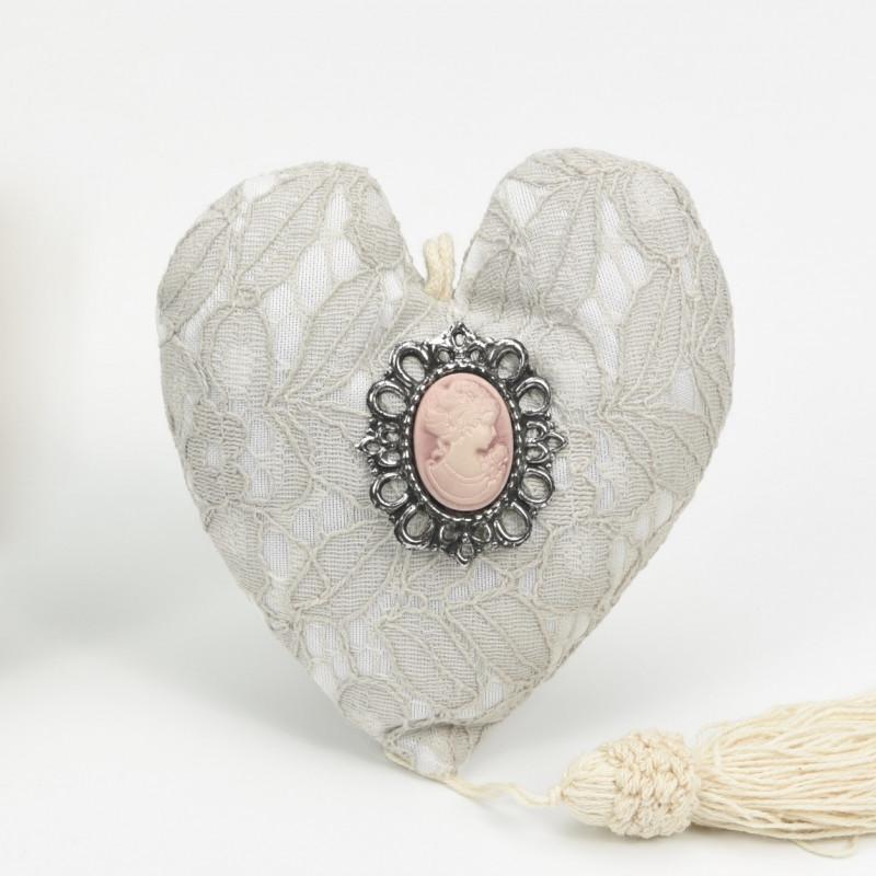 Μαξιλαράκι Καρδιά με Καμέο