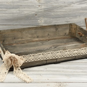 Ξύλινο τελάρο  με δαντέλα 50x30cm