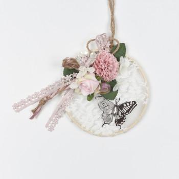 Κρεμαστή μπομπονιέρα τελάρο με δαντέλα και λουλούδια 16x25cm