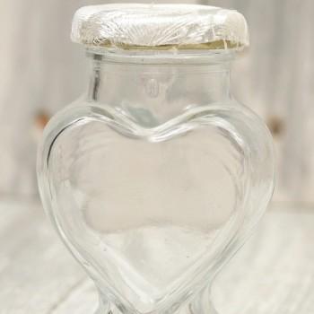 Βαζάκι  με ύφασμα λευκό σε σχήμα καρδιάς 100ml