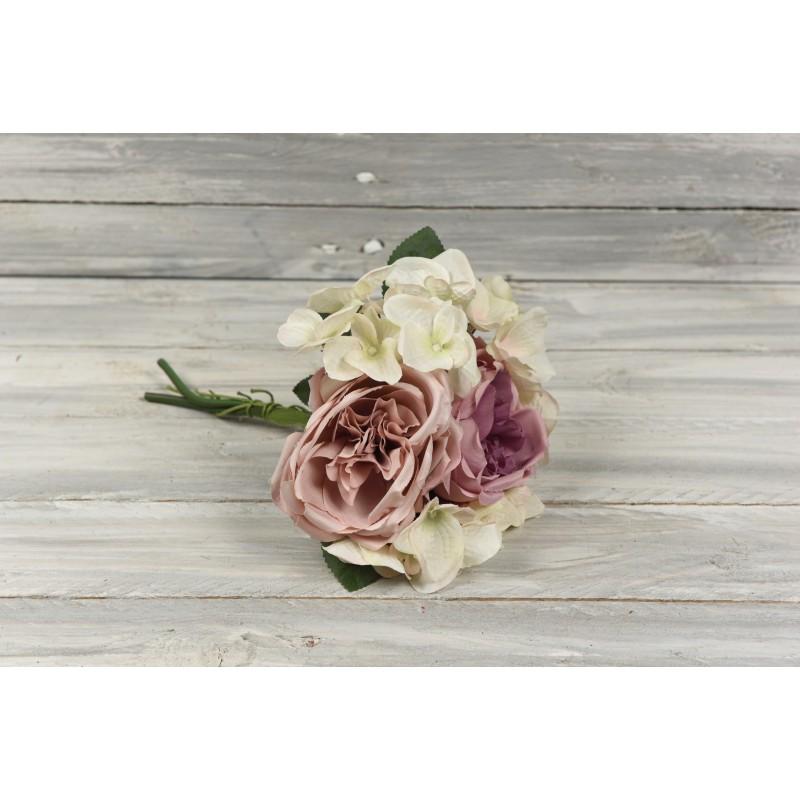 Μπουκέτο συνδυασμός με τριαντάφυλλα