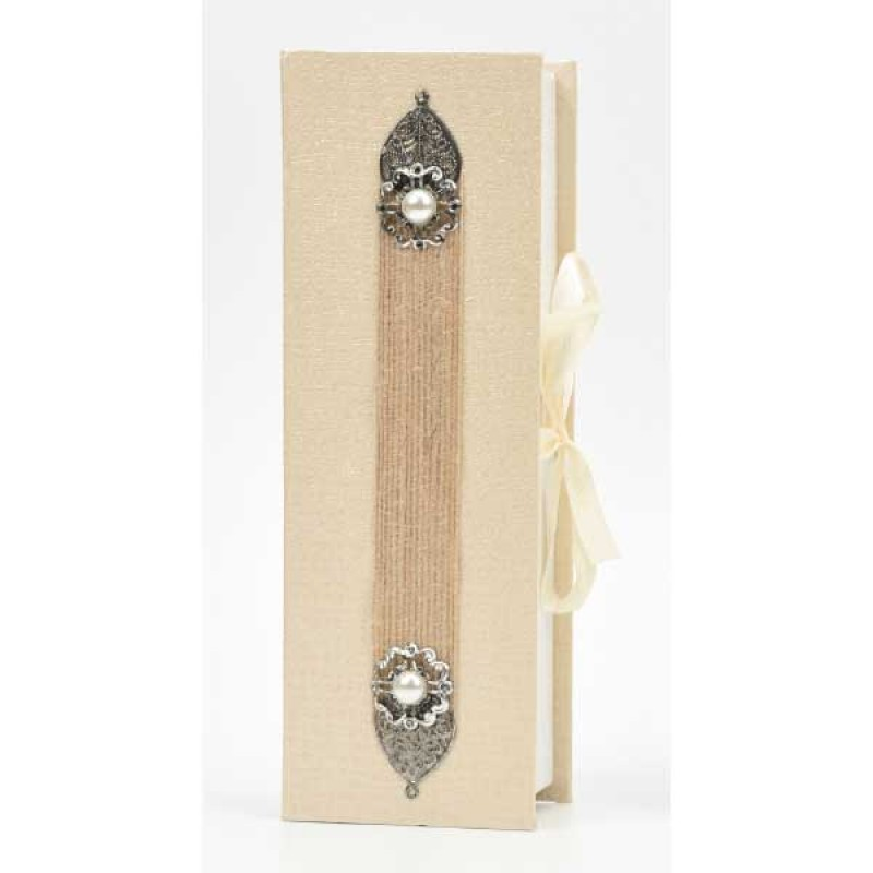 Κουτί μπομπονιέρας με λινατσα  και μεταλλικό μοτίφ   22x7,5x5cm
