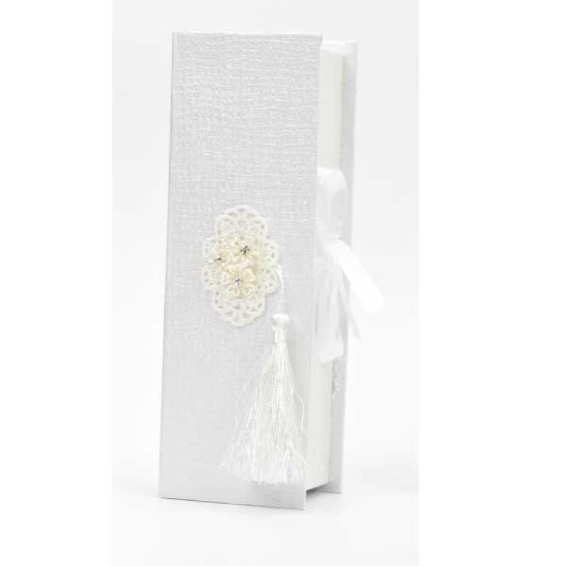 Κουτί μπομπονιέρας λευκό με δαντέλα και κρόσι   22x7,5x5cm
