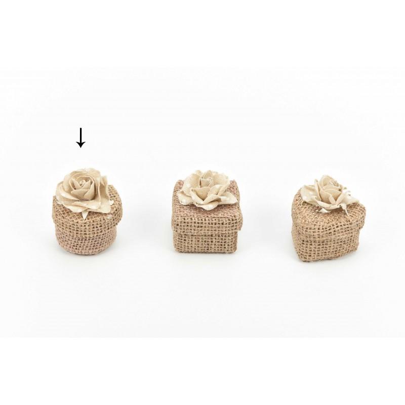 Κουτί μπομπονιέρας  από λινάτσα στρόγγυλο με υφασμάτινο λουλούδι 5,5x5,5x4,5cm