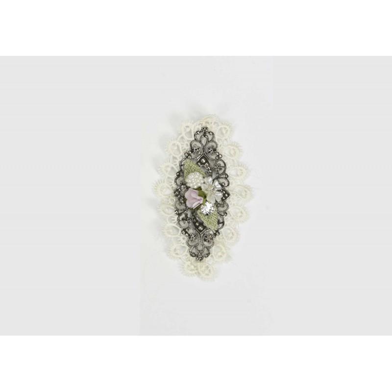 Μοτίφ μεταλλικό  με δαντέλα, λουλούδια και πέρλες 10cm