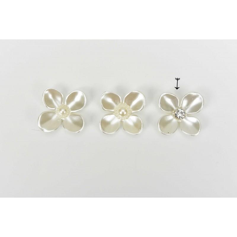 Πέρλα λουλούδι λευκό με στρας 4cm