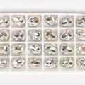 Καστόνι σε ασημί χρώμα με λευκή πέτρα δάκρυ 2cm